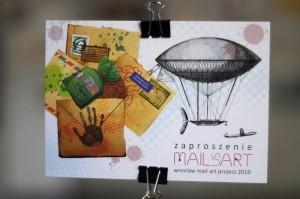 Mail Us Art – wystawa sztuki mailartowej