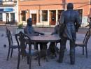 Twórcy Łodzi Przemysłowej – podobizny Izraela Poznańskiego, Karola Scheiblera i Ludwika Grohmanna – autor: Marcel Szytenchelm.